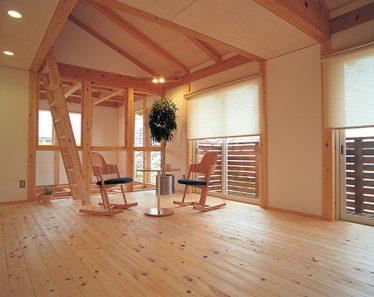 雪が積もる真冬でも暖かい木の家